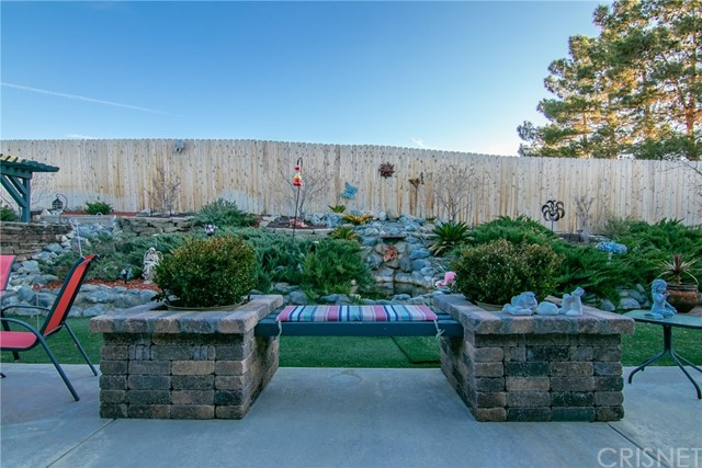 15648 Cypress Point Avenue, Llano CA: http://media.crmls.org/mediascn/8d280ad7-0450-488c-a9d0-48f0feed20fd.jpg