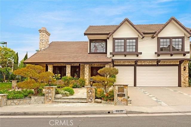 6023 Woodland View Drive, Woodland Hills CA: http://media.crmls.org/mediascn/8d44e51c-2c36-49b5-a617-623028cea712.jpg