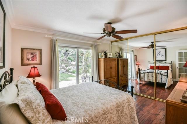 23242 Redbud Ridge Circle, Valencia CA: http://media.crmls.org/mediascn/8d8650bd-0c46-4596-864b-8ca8daad1828.jpg