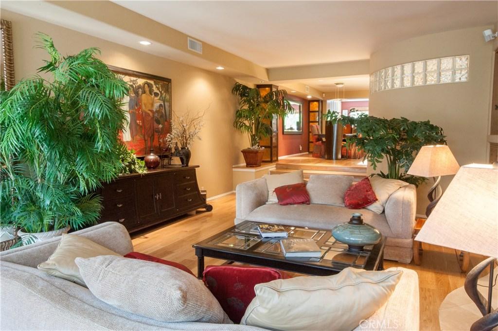 18 VOYAGE Street, Marina Del Rey, CA 90292