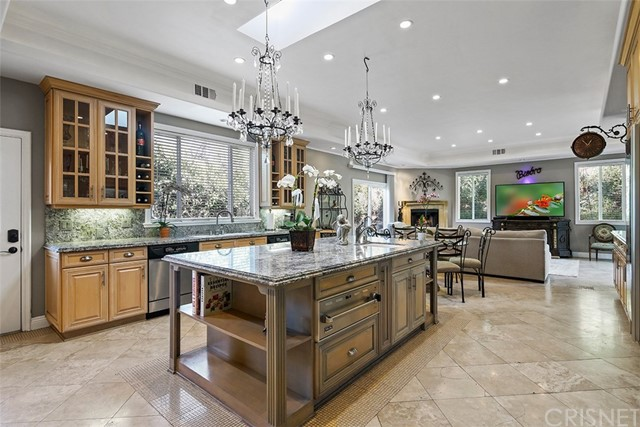 Single Family Home for Sale at 4608 Romberg Place 4608 Romberg Place Woodland Hills, California 91364 United States
