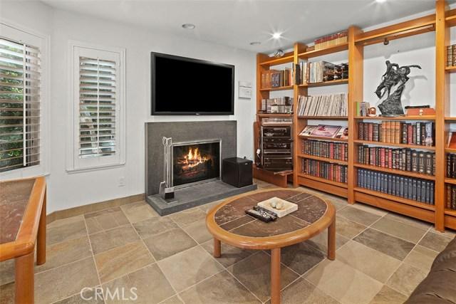 24020 Ingomar Street, West Hills CA: http://media.crmls.org/mediascn/8dea731f-0581-454e-8eda-208fd5936dba.jpg