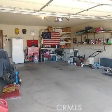 9749 Irene Avenue, California City CA: http://media.crmls.org/mediascn/8df090d5-2cba-451b-b461-f60d1da62287.jpg