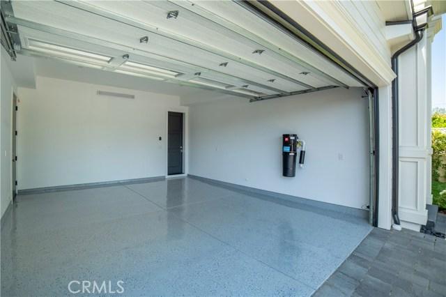 12415 Huston Street, Valley Village CA: http://media.crmls.org/mediascn/8e32b000-194c-41be-b7d5-01c9267ccb23.jpg
