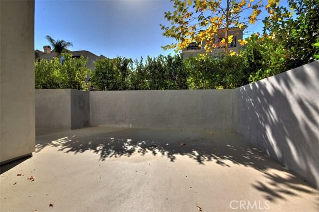 12045 Guerin Street, Studio City CA: http://media.crmls.org/mediascn/8e535a0f-0081-45d9-9387-522774f77f71.jpg