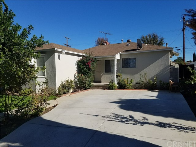 Single Family Home for Sale at 6740 Chimineas Avenue 6740 Chimineas Avenue Reseda, California 91335 United States