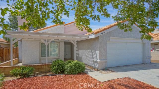 44919 Fenhold Street, Lancaster CA: http://media.crmls.org/mediascn/8e682ee9-5310-4526-9fef-a505a20df061.jpg