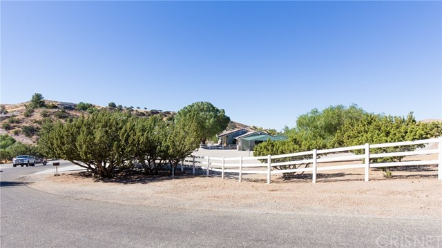 32037 Calle Vista Agua Dulce, CA 91390 - MLS #: SR17243560