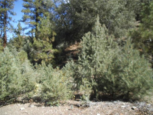 1808 Matterhorn Drive, Pine Mtn Club CA: http://media.crmls.org/mediascn/8e93f184-6575-4df6-8ff4-1e99e17fafde.jpg