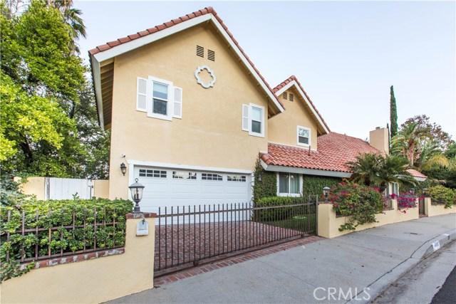 4486 Winnetka Avenue, Woodland Hills CA: http://media.crmls.org/mediascn/8eb0f7ff-f87a-48d7-a1b2-8ab25af4cc26.jpg