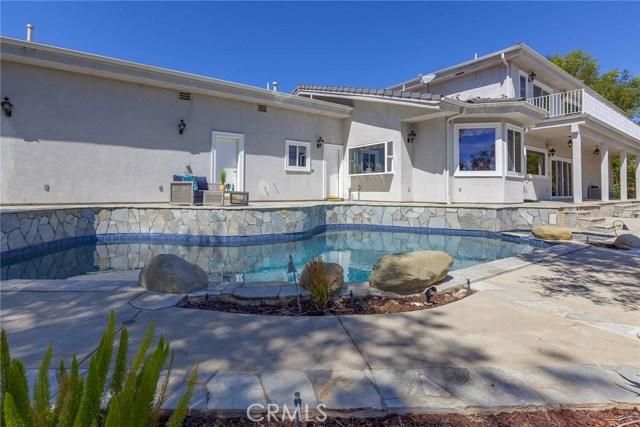 24833 Jacob Hamblin Road, Hidden Hills CA: http://media.crmls.org/mediascn/8f2b6f5d-242d-40c6-a1cd-7ba9860a1044.jpg
