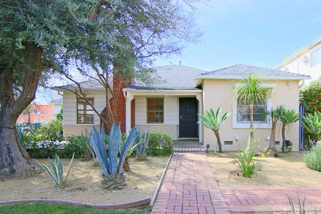 Single Family Home for Rent at 5705 Camellia Avenue North Hollywood, California 91601 United States