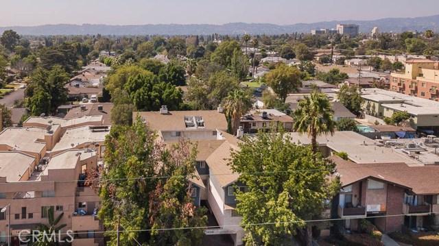 14018 Vanowen Street, Valley Glen CA: http://media.crmls.org/mediascn/8f8f58bb-c931-4d35-b7ea-3d8ca0047767.jpg