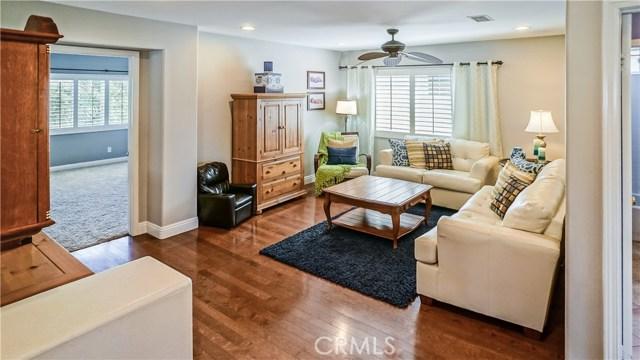 25938 Pope Place, Stevenson Ranch CA: http://media.crmls.org/mediascn/8fa92bc5-8286-49c0-85d5-020b57d4be6b.jpg