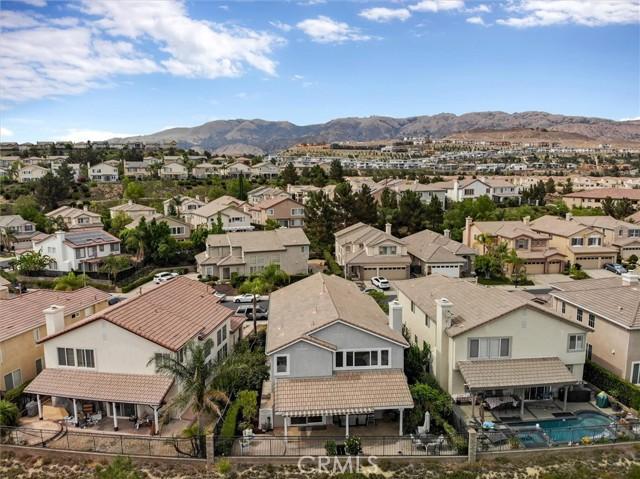 20538 Como Lane, Porter Ranch CA: http://media.crmls.org/mediascn/8fb99038-ed32-417d-b83f-5010a91b9a08.jpg
