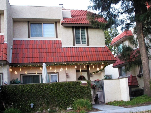 27650 Ironstone Drive Unit 4, Canyon Country CA 91387