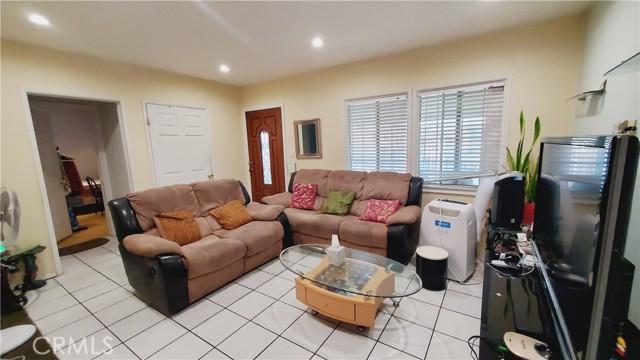 11154 Archwood Street, North Hollywood CA: http://media.crmls.org/mediascn/903378f3-4981-42bd-a580-37eef3753ca9.jpg