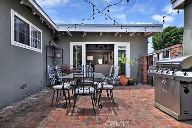 5320 Willis Avenue, Sherman Oaks CA: http://media.crmls.org/mediascn/9044a365-f70a-4505-aa08-97698c375fe8.jpg