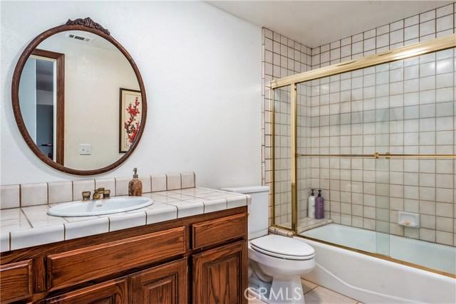 11900 Andasol Avenue, Granada Hills CA: http://media.crmls.org/mediascn/9097e9c5-f6bb-4e9b-a740-b7ceb833bcbb.jpg
