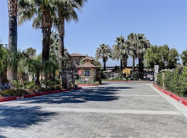 17981 Lost Canyon Road, Canyon Country CA: http://media.crmls.org/mediascn/90bba152-27fd-46e6-a632-ffc5afe7538f.jpg