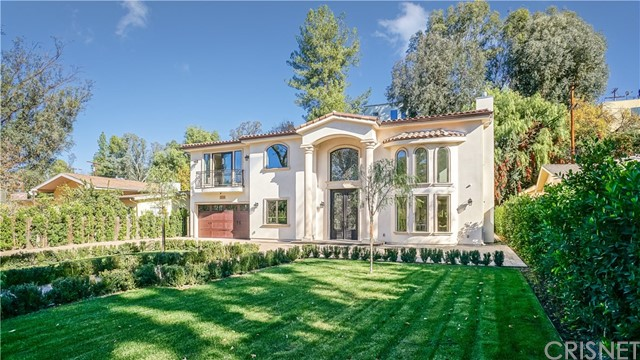 Photo of 4926 Alhama Drive, Woodland Hills, CA 91364