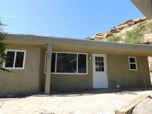 683 BOX CANYON Road, West Hills CA: http://media.crmls.org/mediascn/90df1ccf-6e22-495f-8df9-2149be1c8d9c.jpg