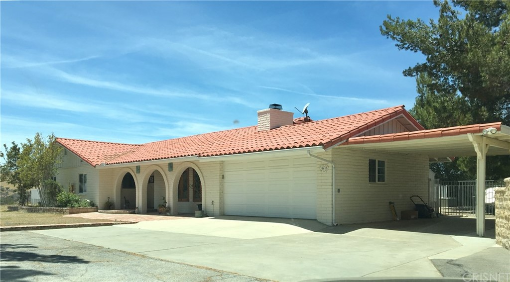Property for sale at 30403 Byfield Road, Castaic,  CA 91384