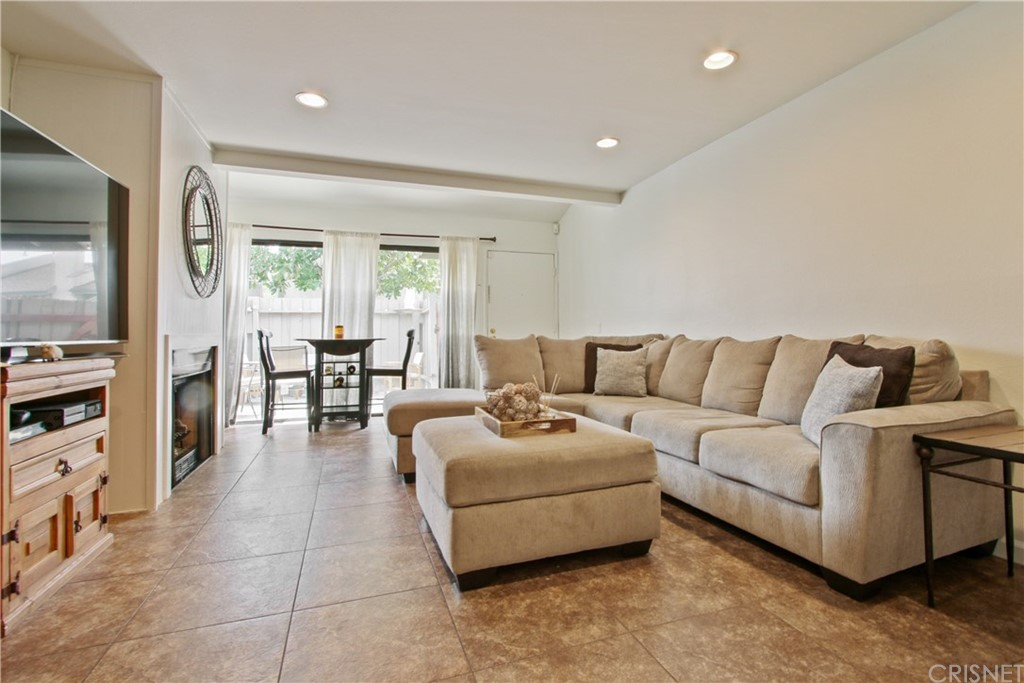Photo of 5257 COLODNY DRIVE #C-3, Agoura Hills, CA 91301