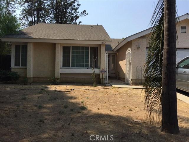 1602 W Phillips Drive, Pomona CA: http://media.crmls.org/mediascn/91340c4f-91ce-4cd1-9b41-7a929e8a96dd.jpg