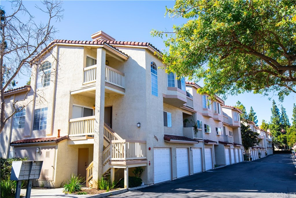Photo of 5798 OAK BANK #101, Oak Park, CA 91377