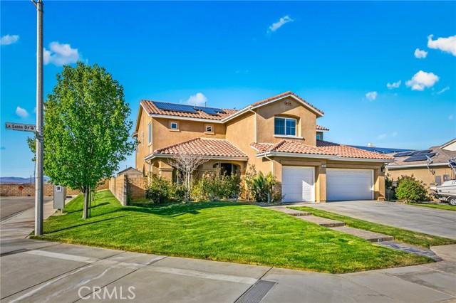 6551 La Sarra Drive, Lancaster CA: http://media.crmls.org/mediascn/91af6e29-ebb2-40c8-8f14-902e0c73d453.jpg