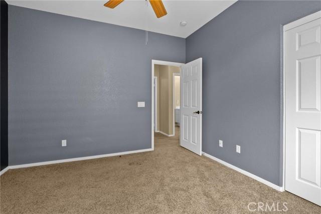 43928 Freer Way, Lancaster CA: http://media.crmls.org/mediascn/91f38ed1-9981-4d71-8685-a3fa0b879a18.jpg