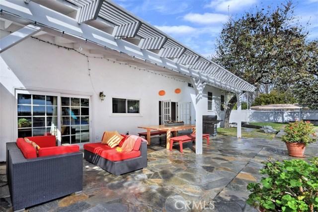 4838 Quedo Place, Woodland Hills CA: http://media.crmls.org/mediascn/920a524a-bad4-4780-a144-854bba71c0db.jpg