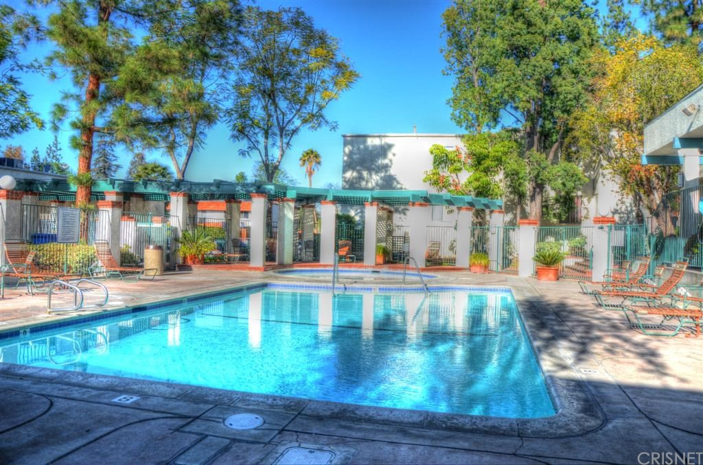 Photo of 5700 ETIWANDA AVENUE #141, Tarzana, CA 91356