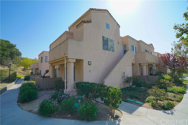 21203 Trumpet Drive Unit 202, Newhall CA 91321