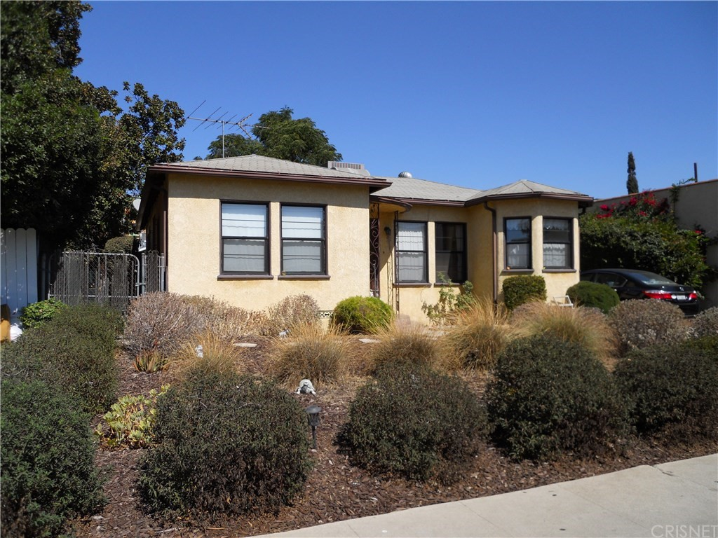 Photo of 11435 CUMPSTON STREET, North Hollywood, CA 91601