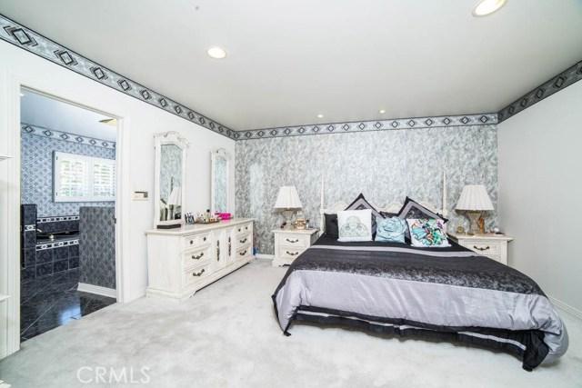 9501 Encino Avenue Northridge, CA 91325 - MLS #: SR17126620