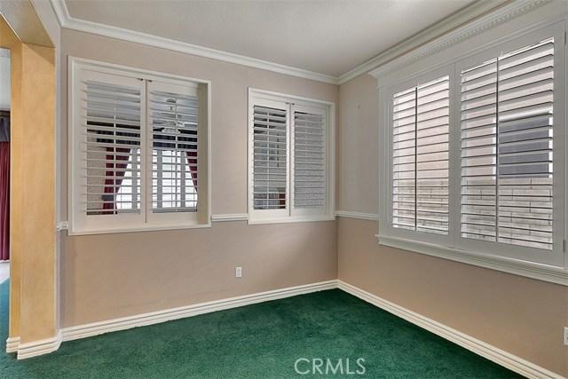 26061 Salinger Lane, Stevenson Ranch CA: http://media.crmls.org/mediascn/927e5cb7-07ba-4457-84ac-f8999b193411.jpg