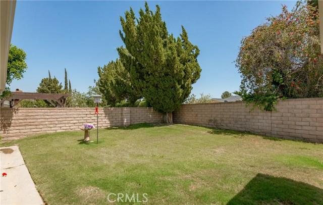 13225 Whistler Avenue, Granada Hills CA: http://media.crmls.org/mediascn/928af6d4-16c9-48e6-bf00-dccfeb479f5c.jpg