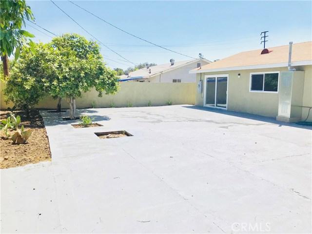 1009 S Arapaho Drive, Santa Ana CA: http://media.crmls.org/mediascn/92dee107-09b6-4116-9f03-d2b19244c839.jpg