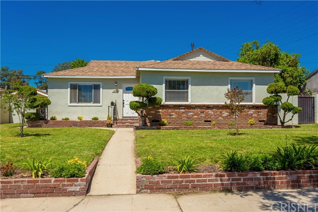 Single Family Home for Sale at 14901 Chatsworth Street Mission Hills, California 91345 United States
