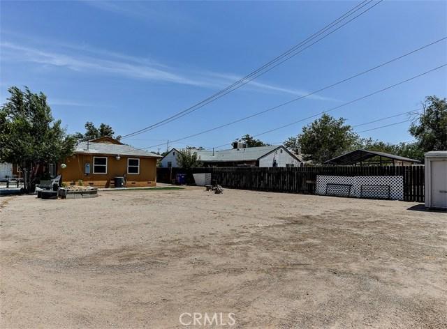 38757 Glenbush Avenue, Palmdale CA: http://media.crmls.org/mediascn/93354ffb-10bb-4b41-956f-f3f993faf259.jpg