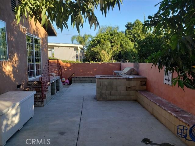 12479 Bradley Avenue, Sylmar CA: http://media.crmls.org/mediascn/9338d705-8dd1-47c0-90fa-ce635b81e2ef.jpg