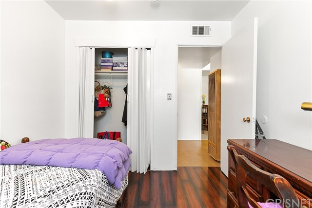 3391 Haven Street, Rosamond CA: http://media.crmls.org/mediascn/9388abc2-48fd-47df-801c-75e5e7135487.jpg