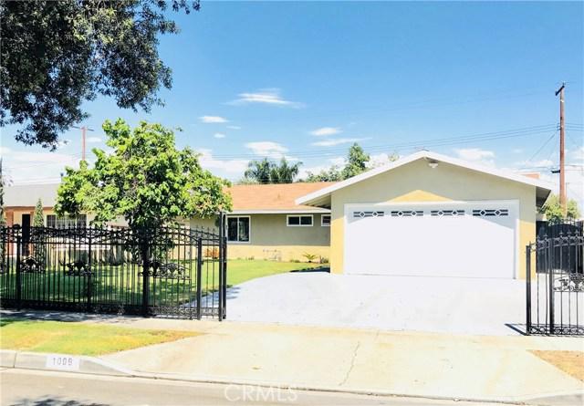 1009 S Arapaho Drive, Santa Ana CA: http://media.crmls.org/mediascn/9408a0f3-d197-4e22-9ca0-af85f088bd79.jpg