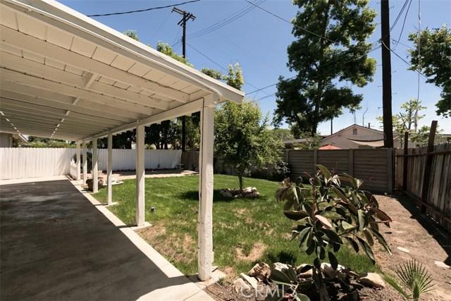 7642 Independence Avenue, Canoga Park CA: http://media.crmls.org/mediascn/94483696-ae57-4137-9913-df2bbdee4540.jpg