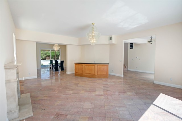 5815 Topeka Drive Tarzana, CA 91356 - MLS #: SR18185417