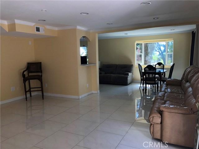 24526 Calvert Street, Woodland Hills CA: http://media.crmls.org/mediascn/9552163a-99b3-49f4-ae0e-328894880152.jpg