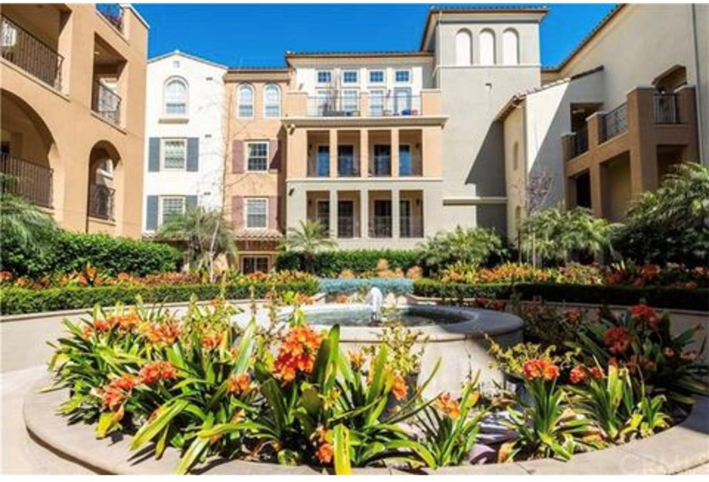 Photo of 12975 AGUSTIN PLACE #114, Playa Vista, CA 90094