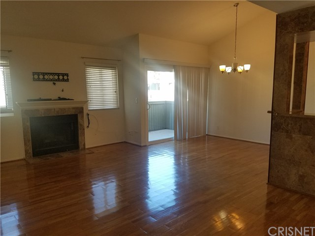 27122 Crossglade Avenue # 6 Canyon Country, CA 91351 - MLS #: SR17139193